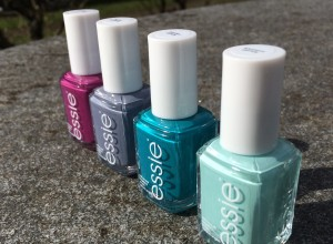 Essie Flowerista Nagellack Review Test